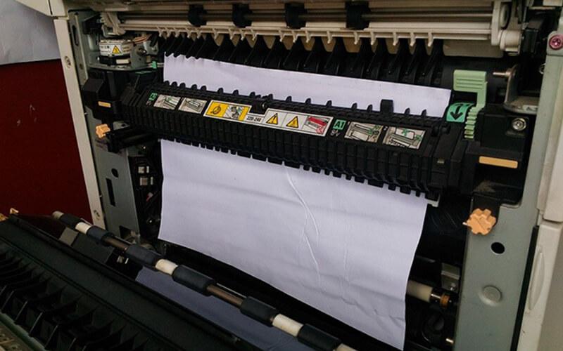 Kẹt giấy khi sử dụng máy photocopy