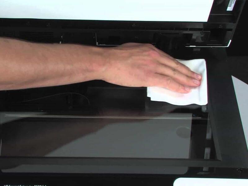 thực hiện vệ sinh máy photocopy