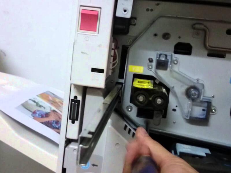 Cách xử lý và sửa lỗi khi máy photo bị kẹt giấy