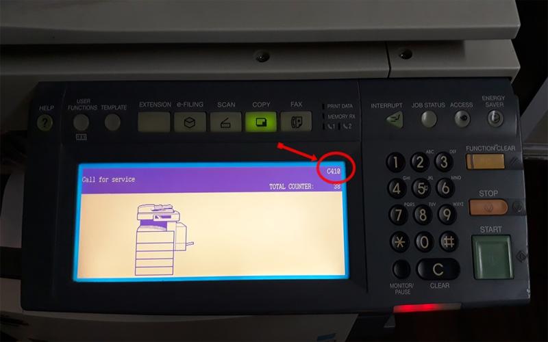 Máy photocopy sẽ hiện chữ call for service khi bị lỗi sốc điện hoặc lỗi ở do bộ phận sấy