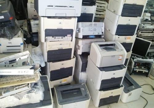 Máy in cũ cần được chụp đầy đủ các phần nhằm giúp người thu mua hiểu rõ hơn về sản phẩm